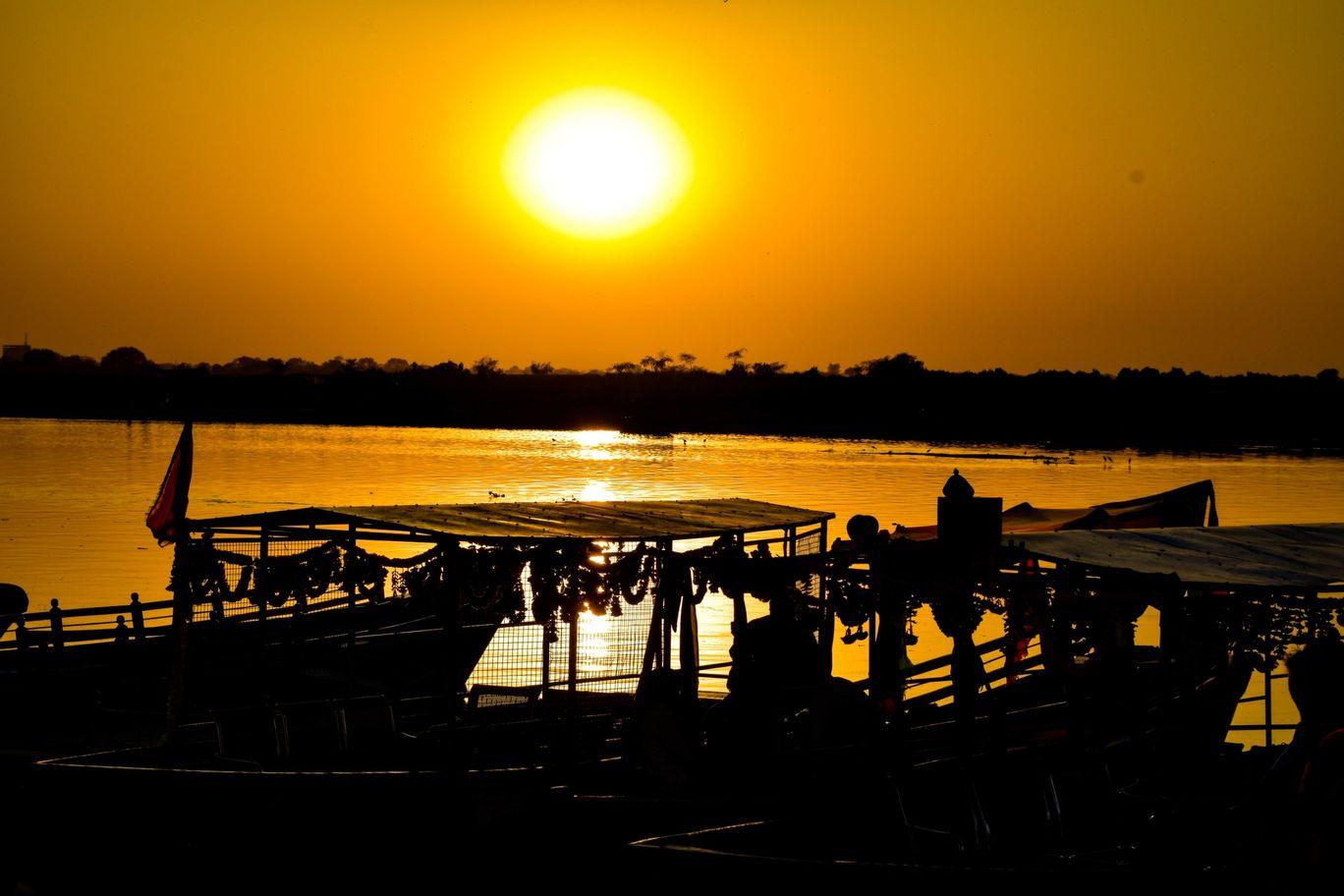 Photo of Yamuna River By Ritihk Santhalia