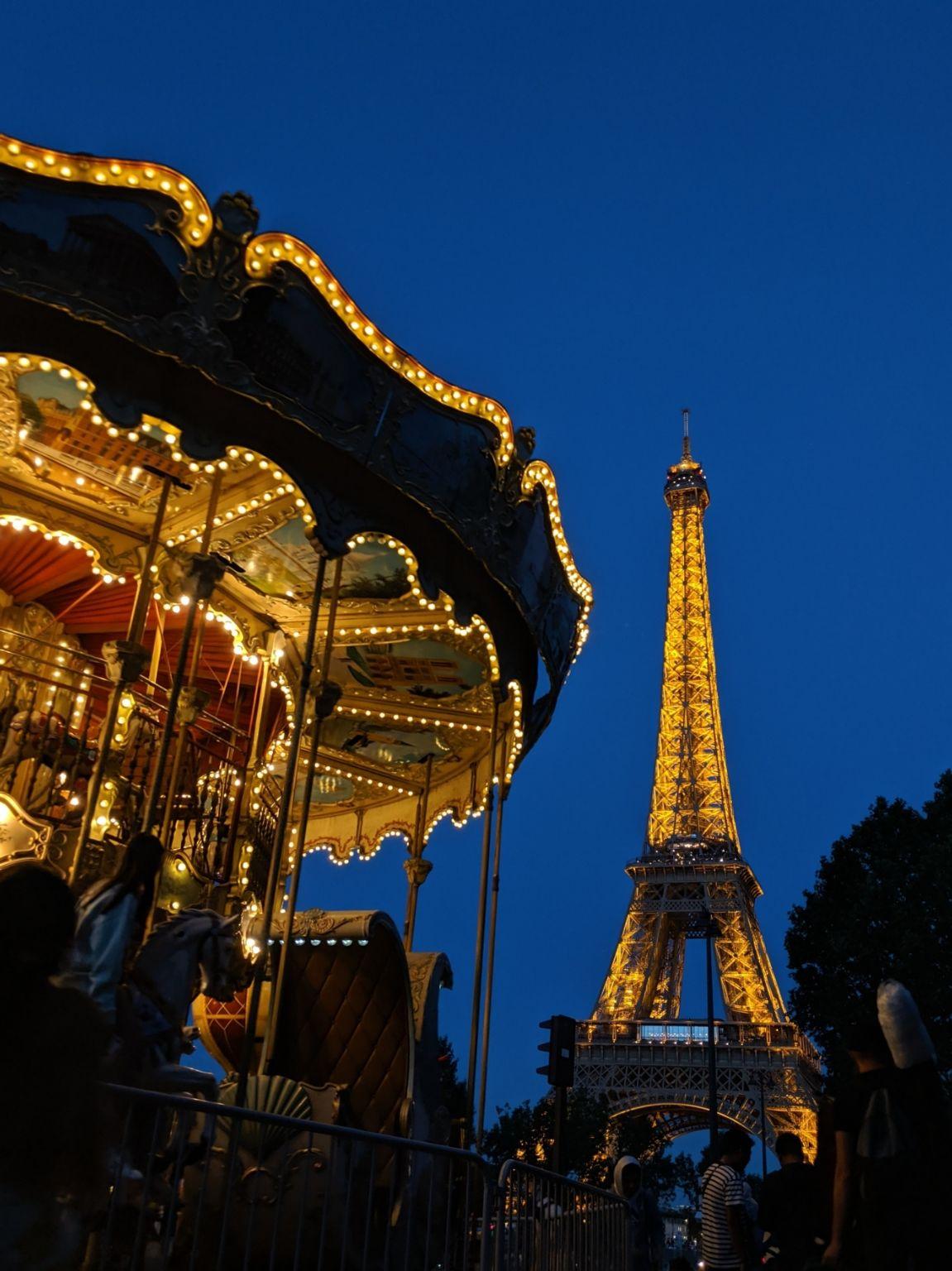 Photo of Eiffel Tower By Vishal Jadav