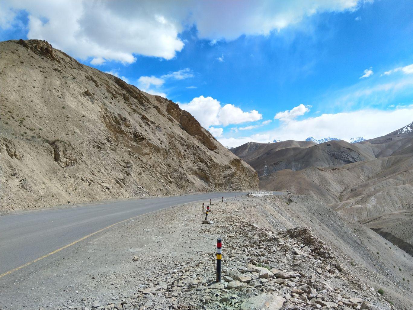 Photo of Srinagar - Ladakh Road By Vikram Singh Bishnoi