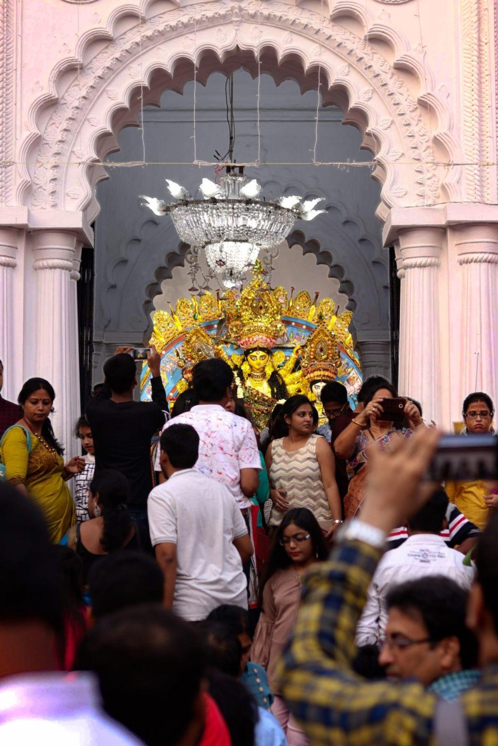 Photo of Kolkata By Writorshi Bhattacharya
