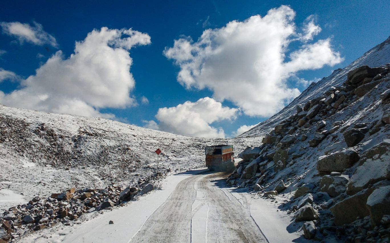 Photo of Khardung La Road By Prajay Katkoria