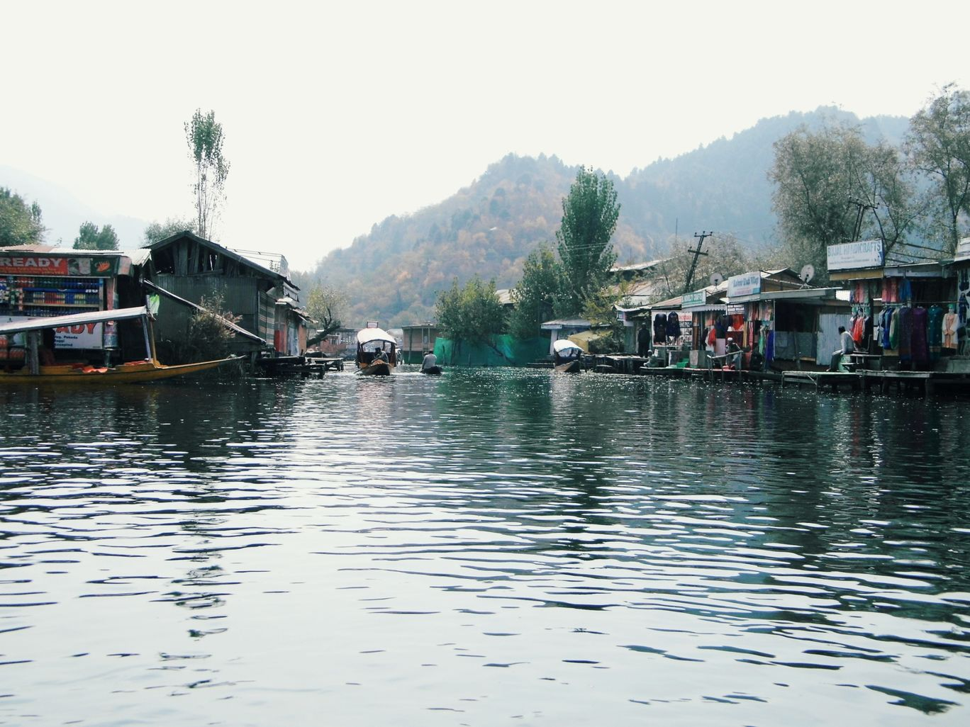 Photo of Dal Lake By Subhrajit Patra