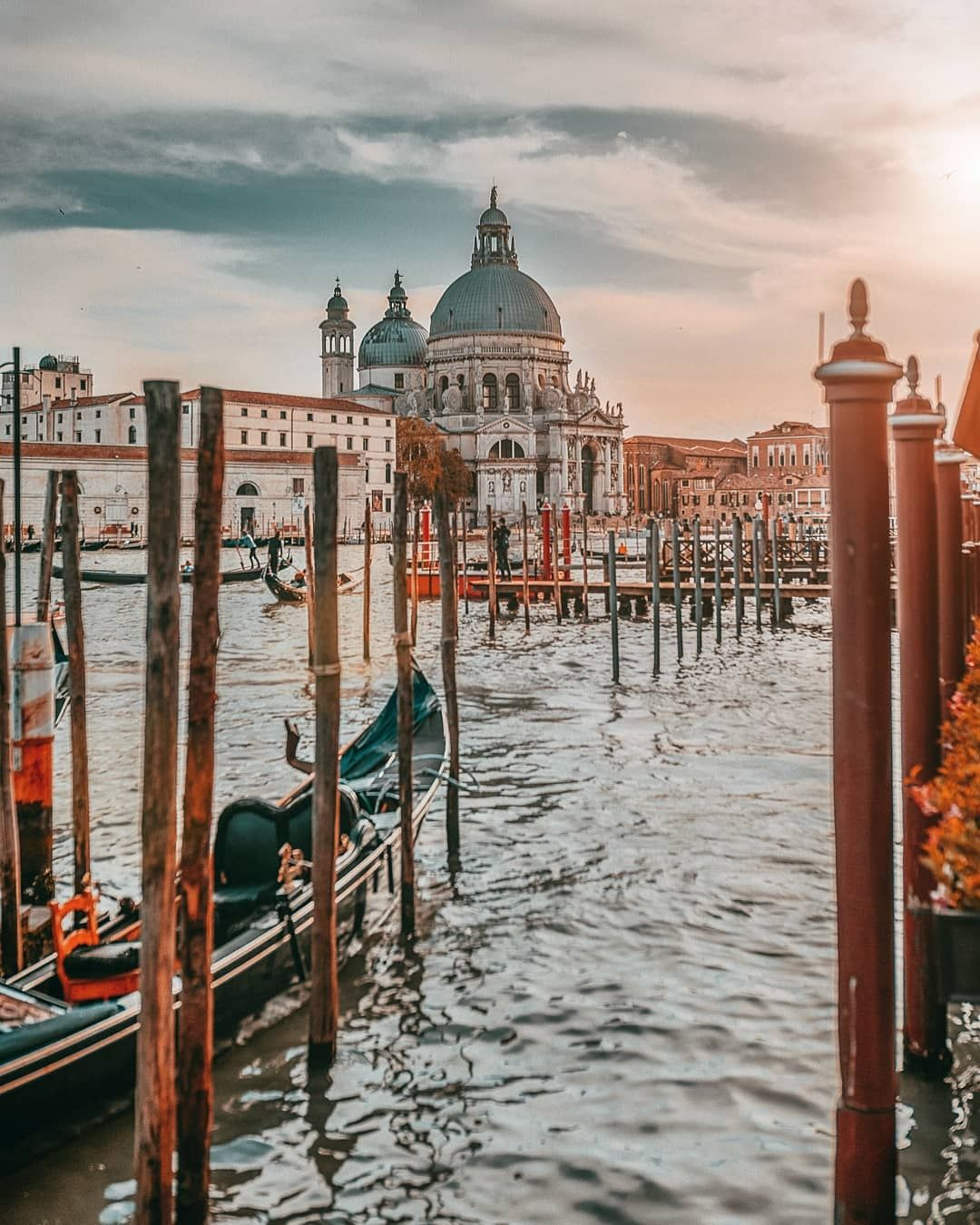 Photo of Italy By Zurich Shah