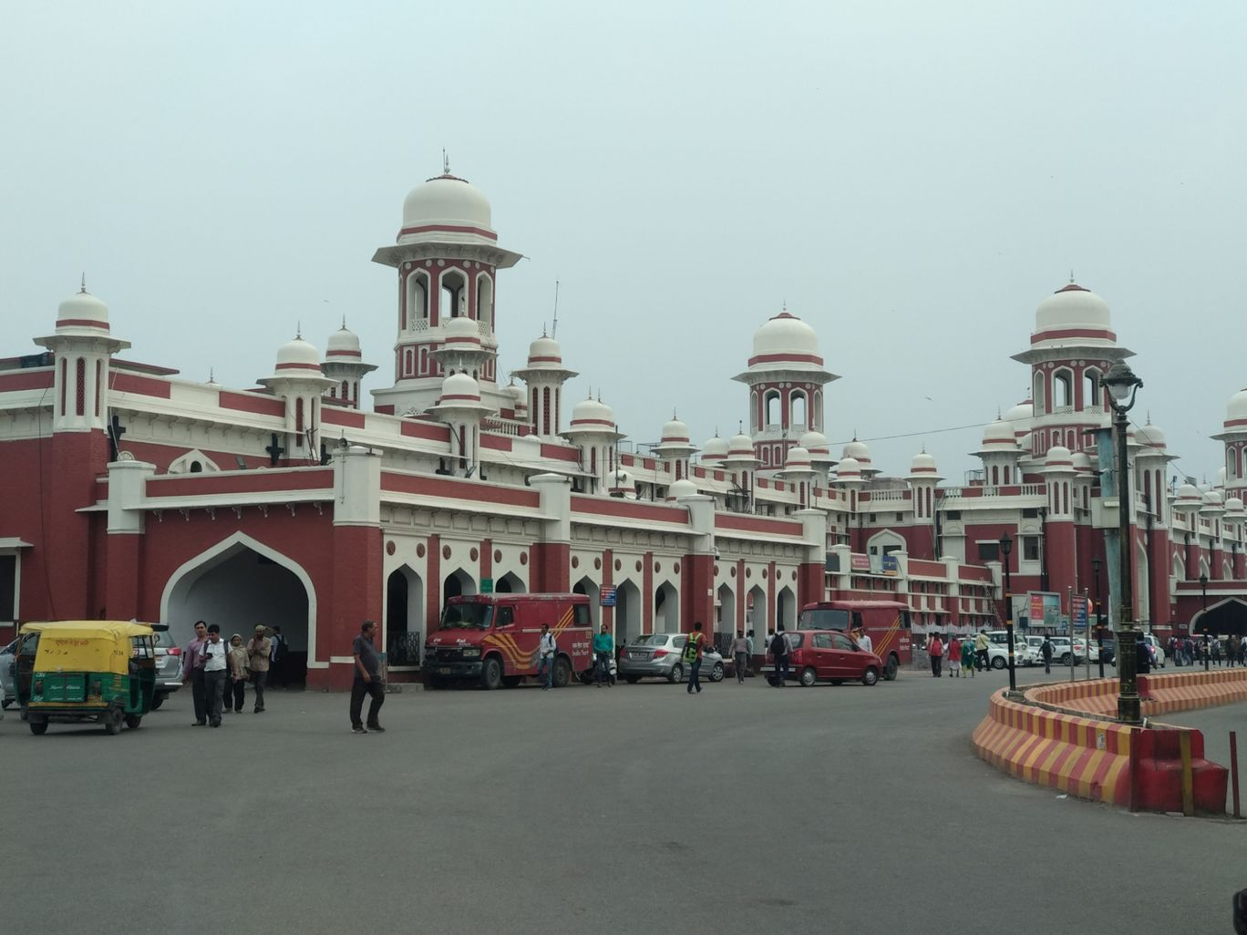 Photo of Lucknow Nr Railway Station By Suhail Khan