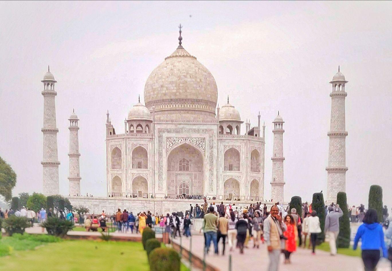 Photo of Taj Mahal By Shikhar Leo