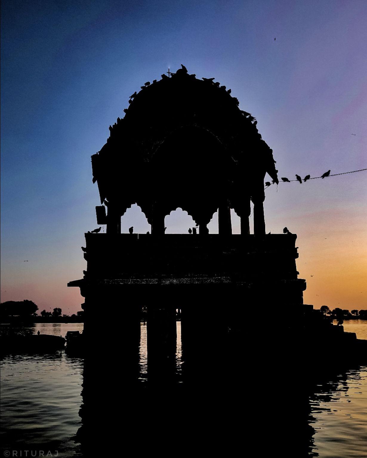 Photo of Gadisar Lake By Rituraj Anand