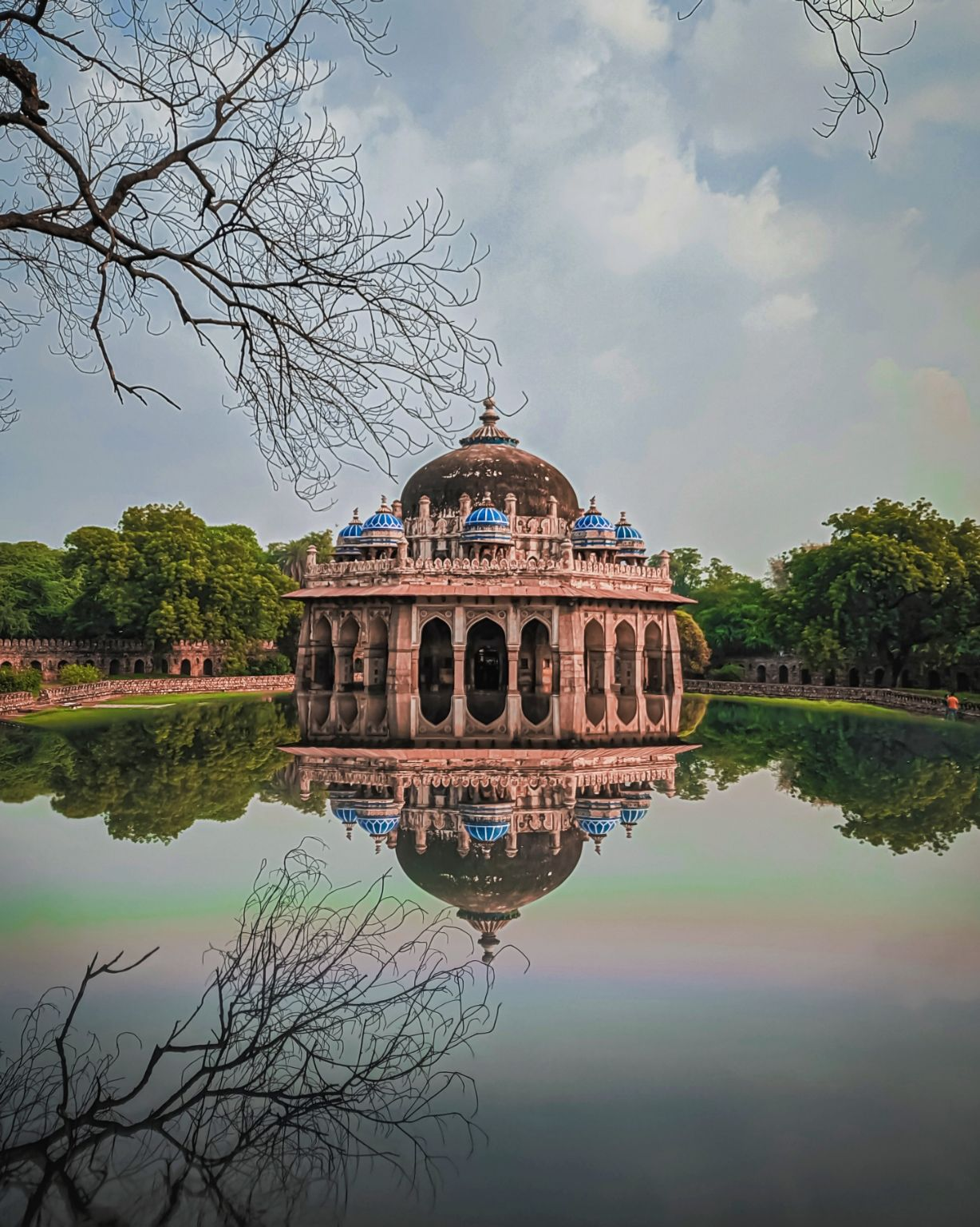 Photo of Isa Khan's Tomb By Rituraj Anand