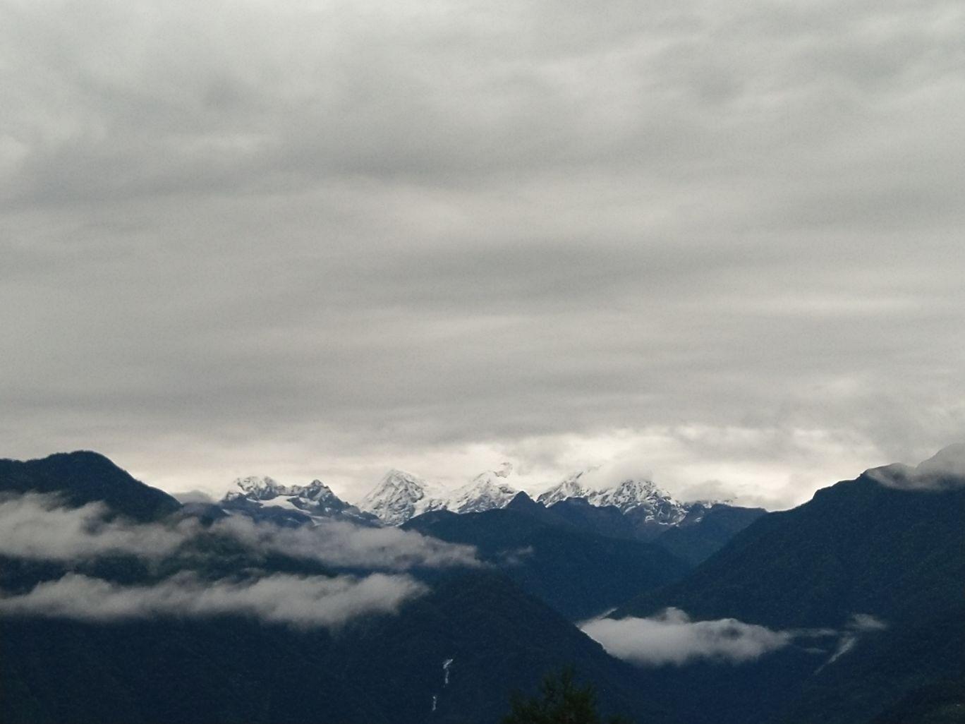 Photo of Kanchenjunga By Wan Pyrbot