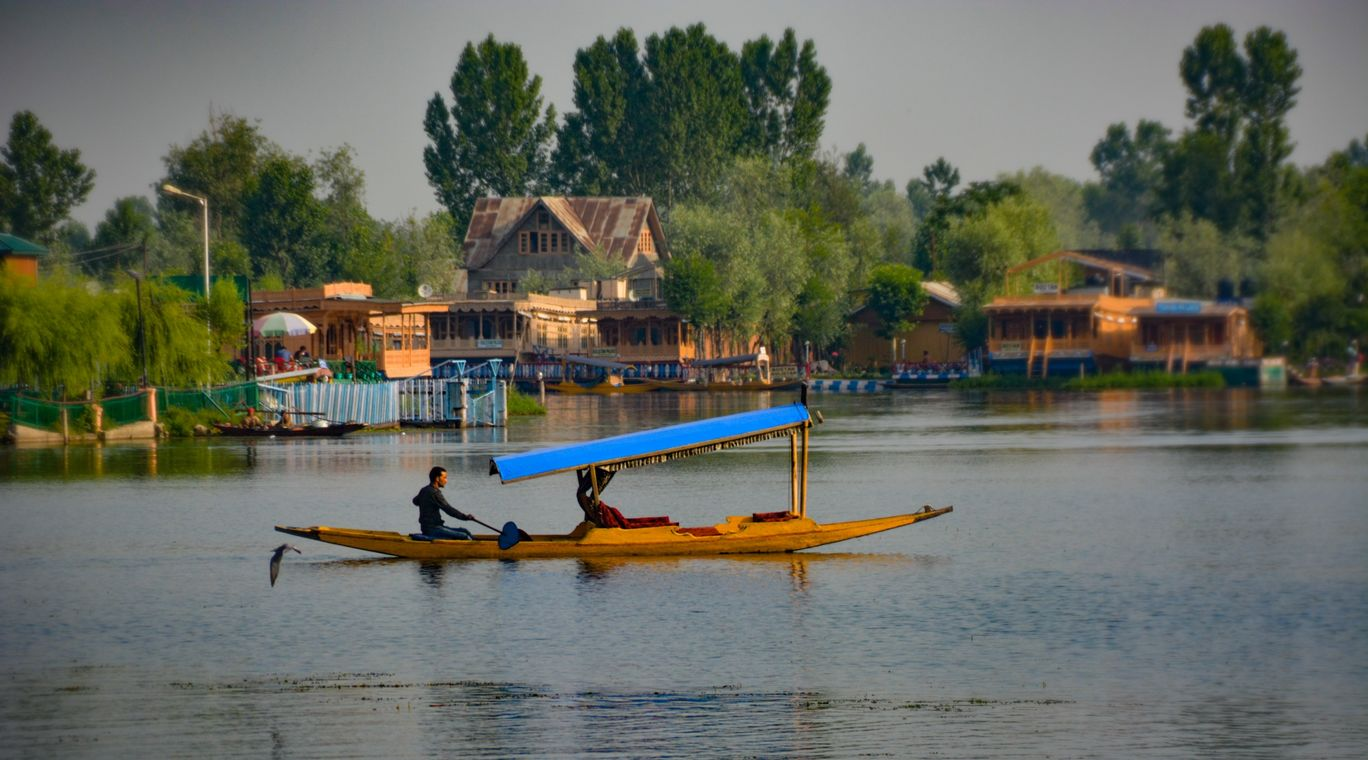 Photo of Dal Lake By Shashwat Narain