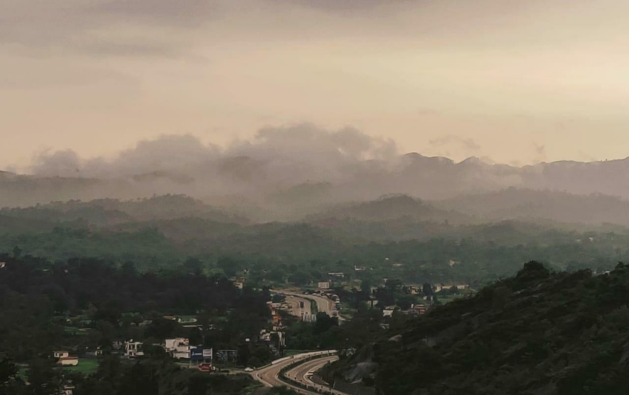Photo of Jammu Road By Yashika Goswami
