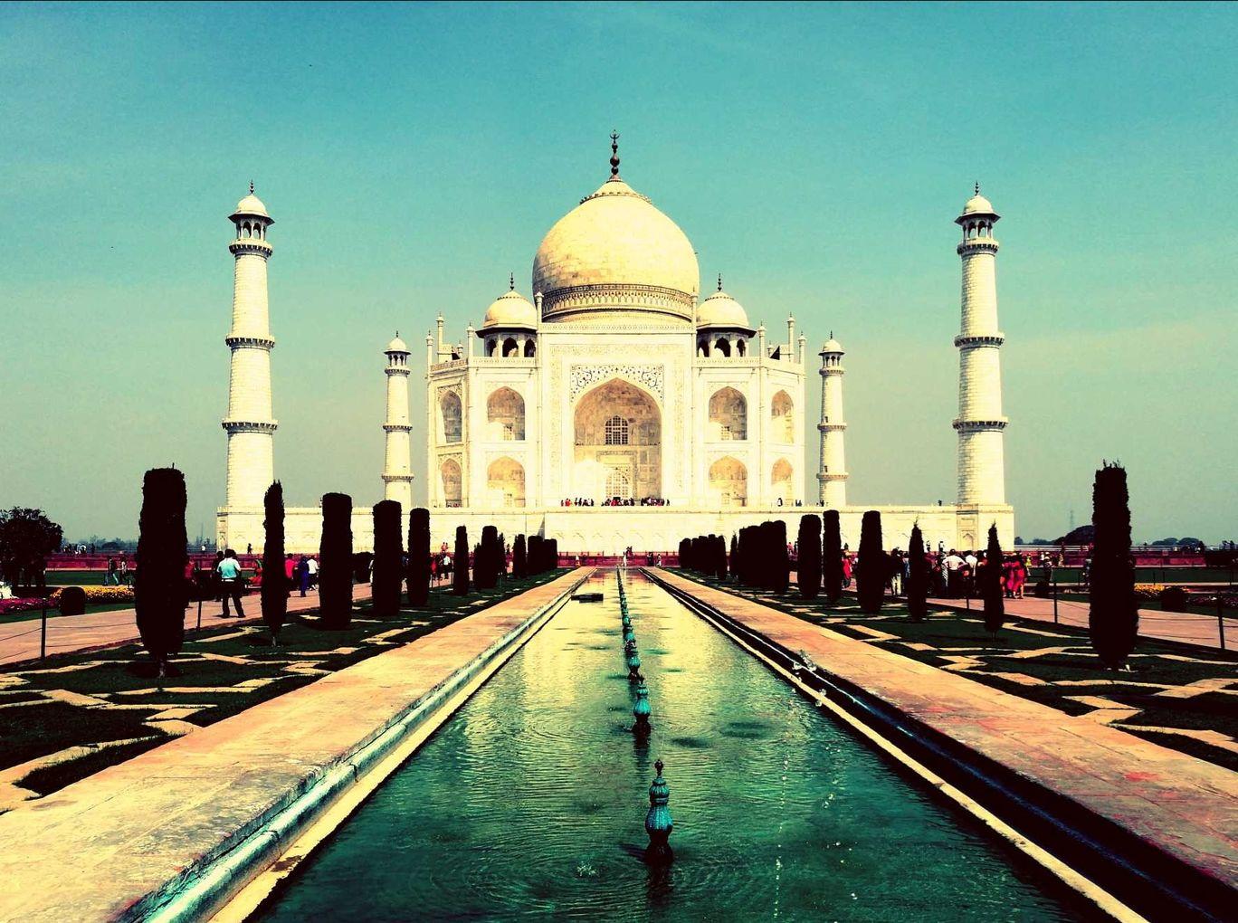 Photo of Taj Mahal By Bikramjit Sethi