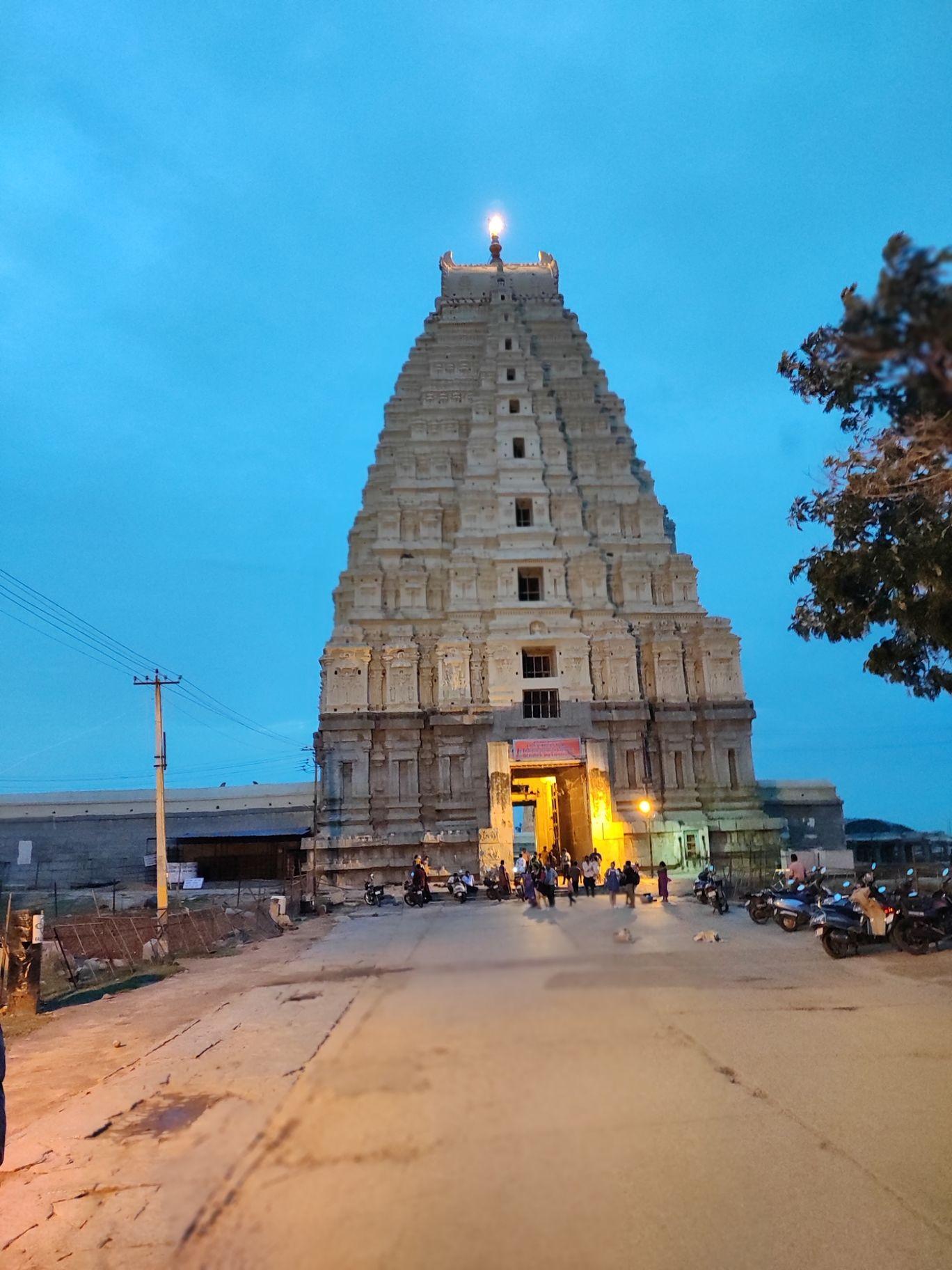 Photo of Virupaksha Temple East Gopura By SREEKANTH