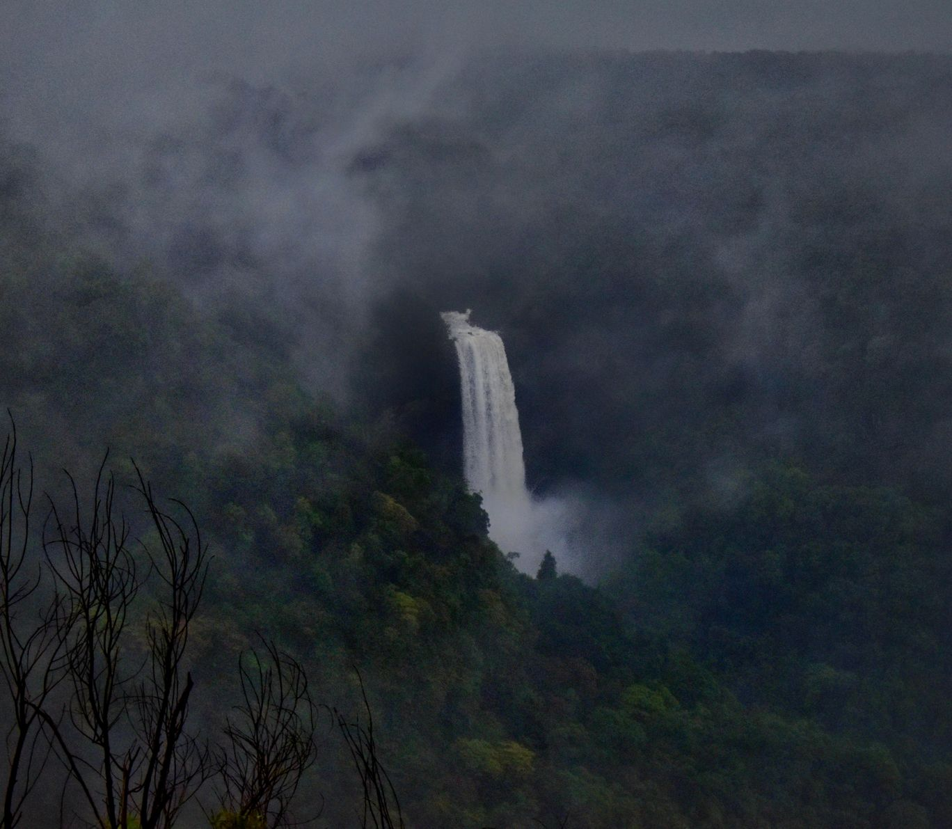 Photo of Surla waterfall view point By Shriyash Kanekar