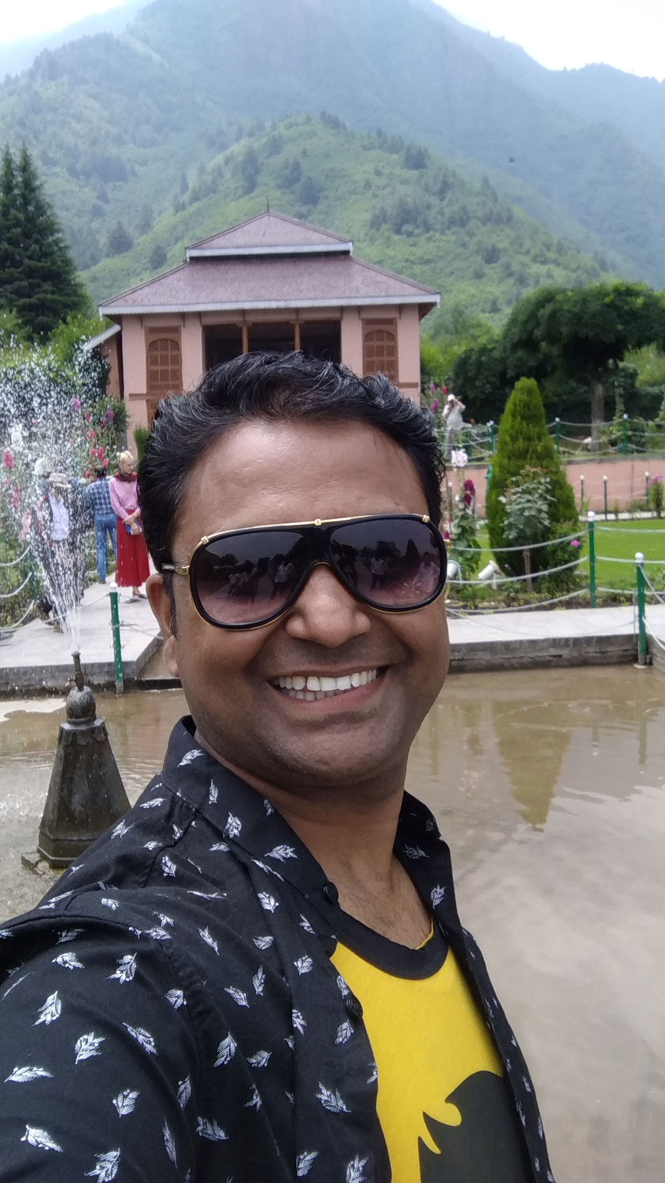Photo of Chashma Shahi Garden By Manoj Kumar Singh