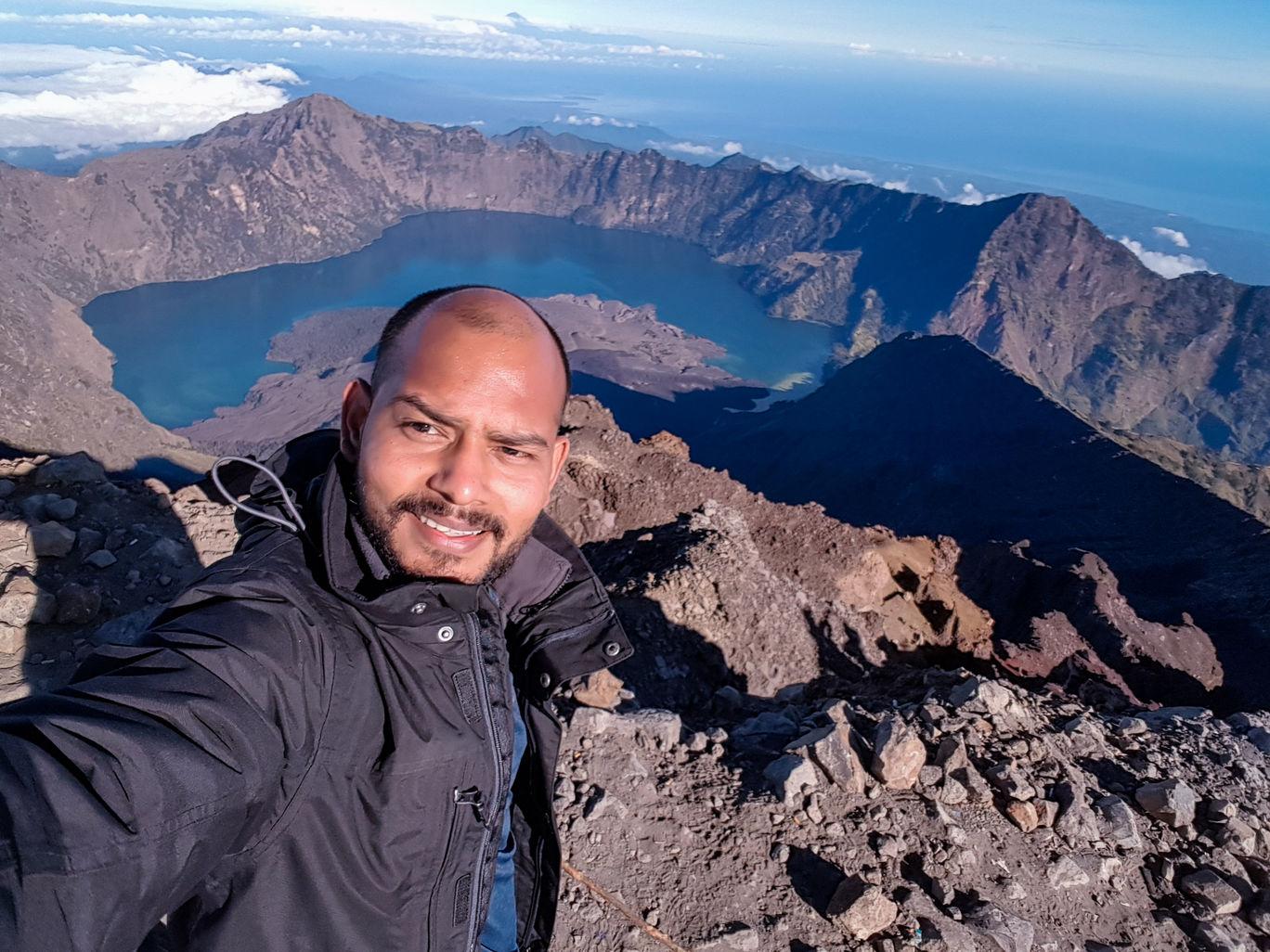 Photo of Mount Rinjani By Mahim Mehta