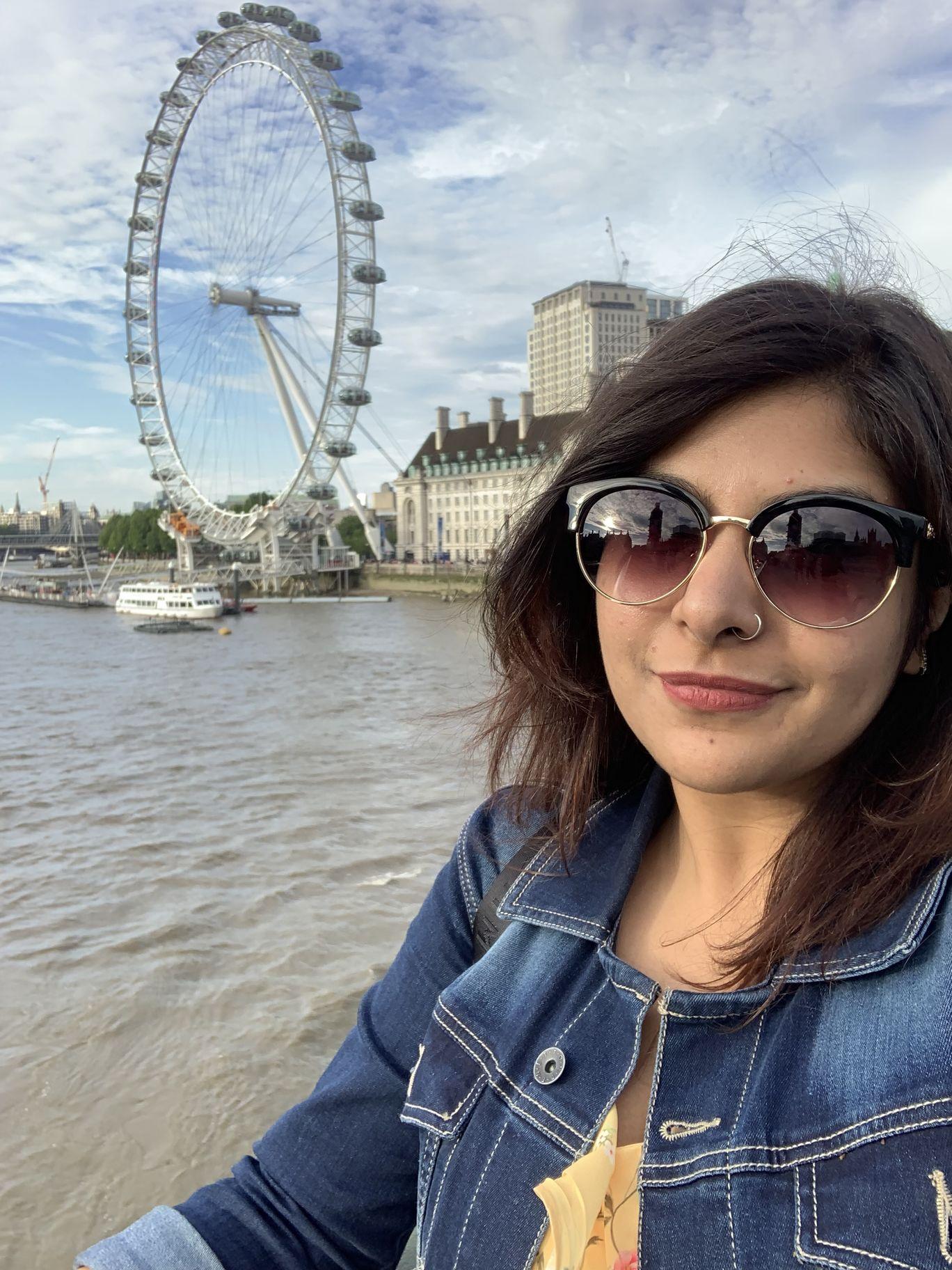 Photo of London Eye By Taneya Singh