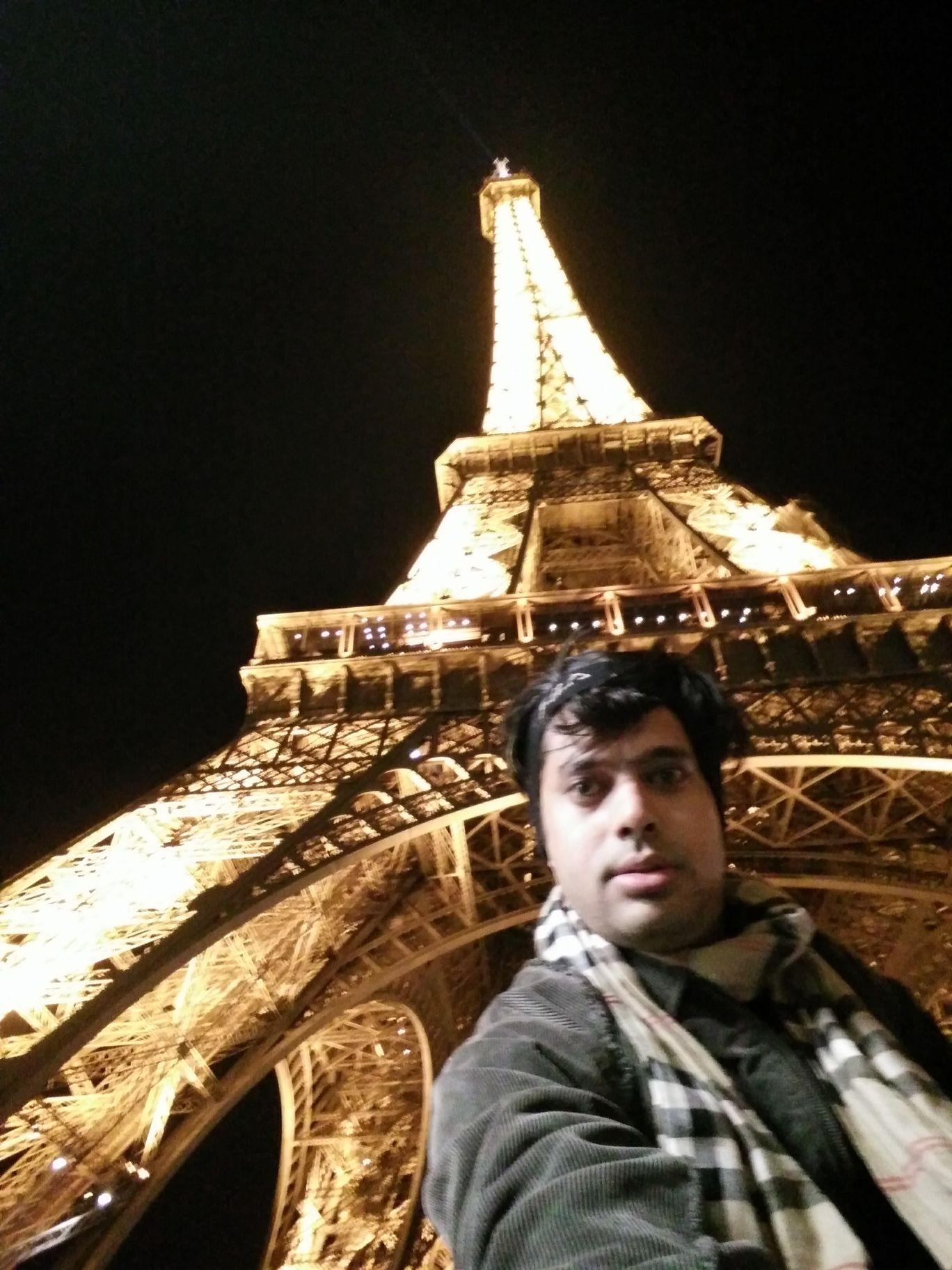 Photo of Paris By Jinesh Gandhi