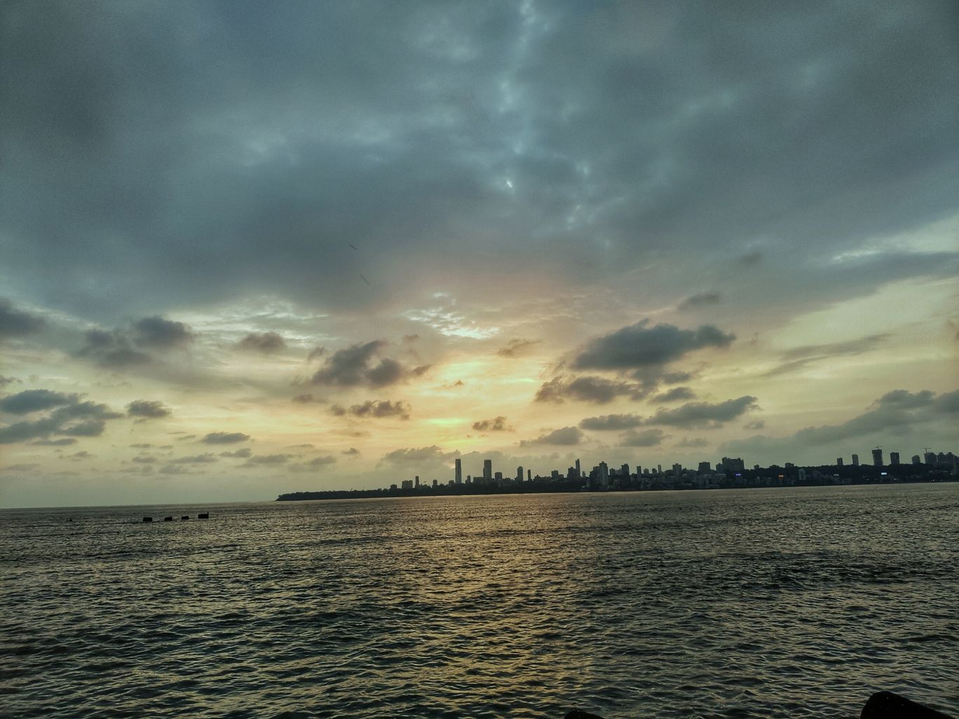 Photo of Marine Drive By Ranjith Pai