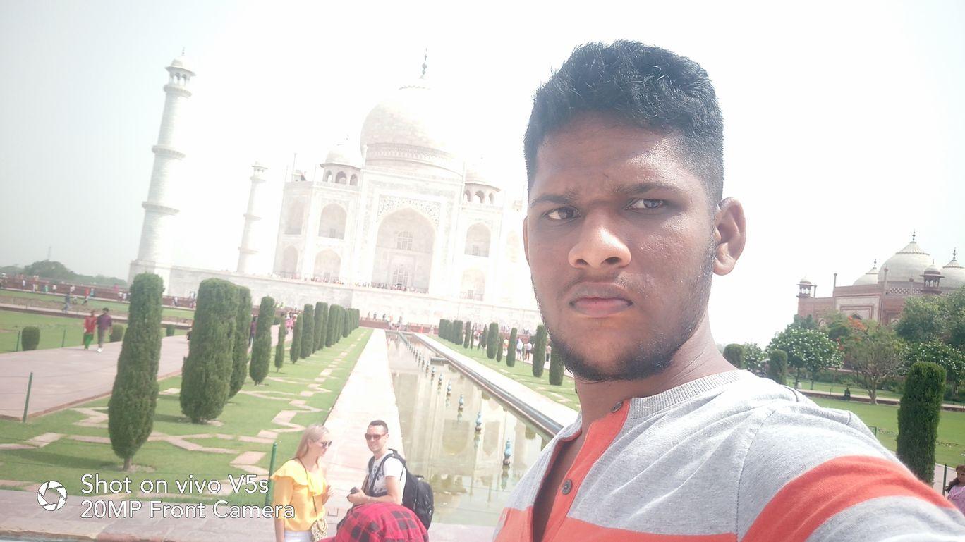 Photo of Taj Mahal By JAGADISH BILLA