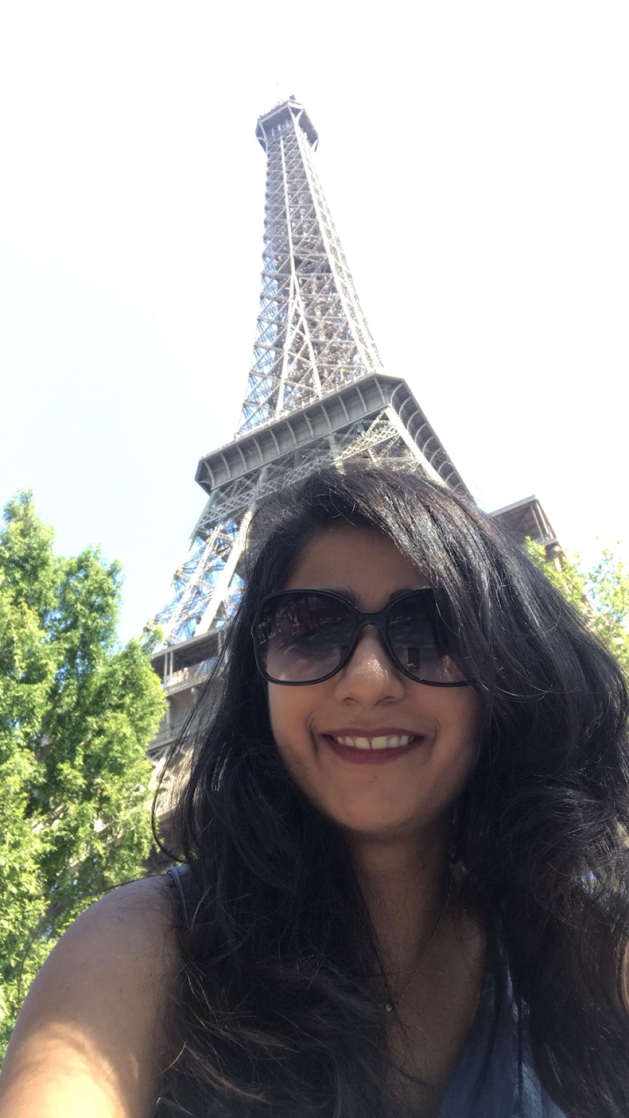 Photo of Eiffel Tower By Noopur Dedhia