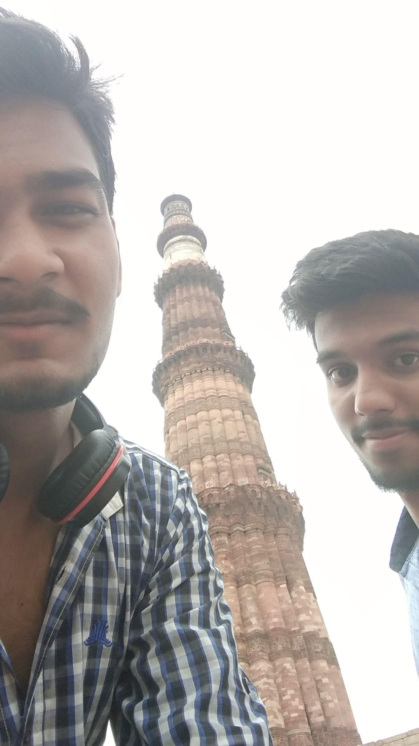Photo of Qutub Minar By Jayash Adlak