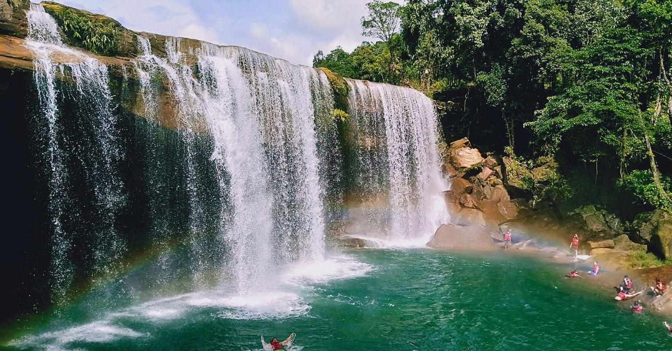 Photo of Krang Shuri Waterfall By thushar ys