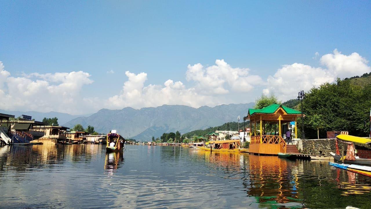 Photo of Dal Lake By halima Deede