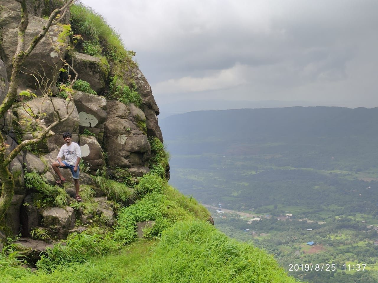 Photo of Karnala Fort By Vageesh Venkat