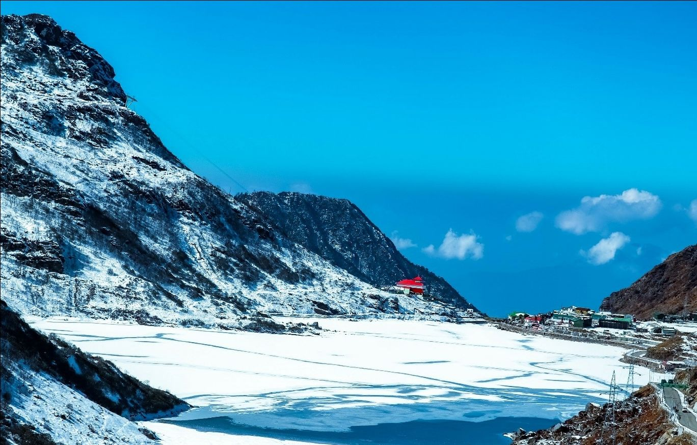 Photo of Tsomgo Lake By Global Mount Club