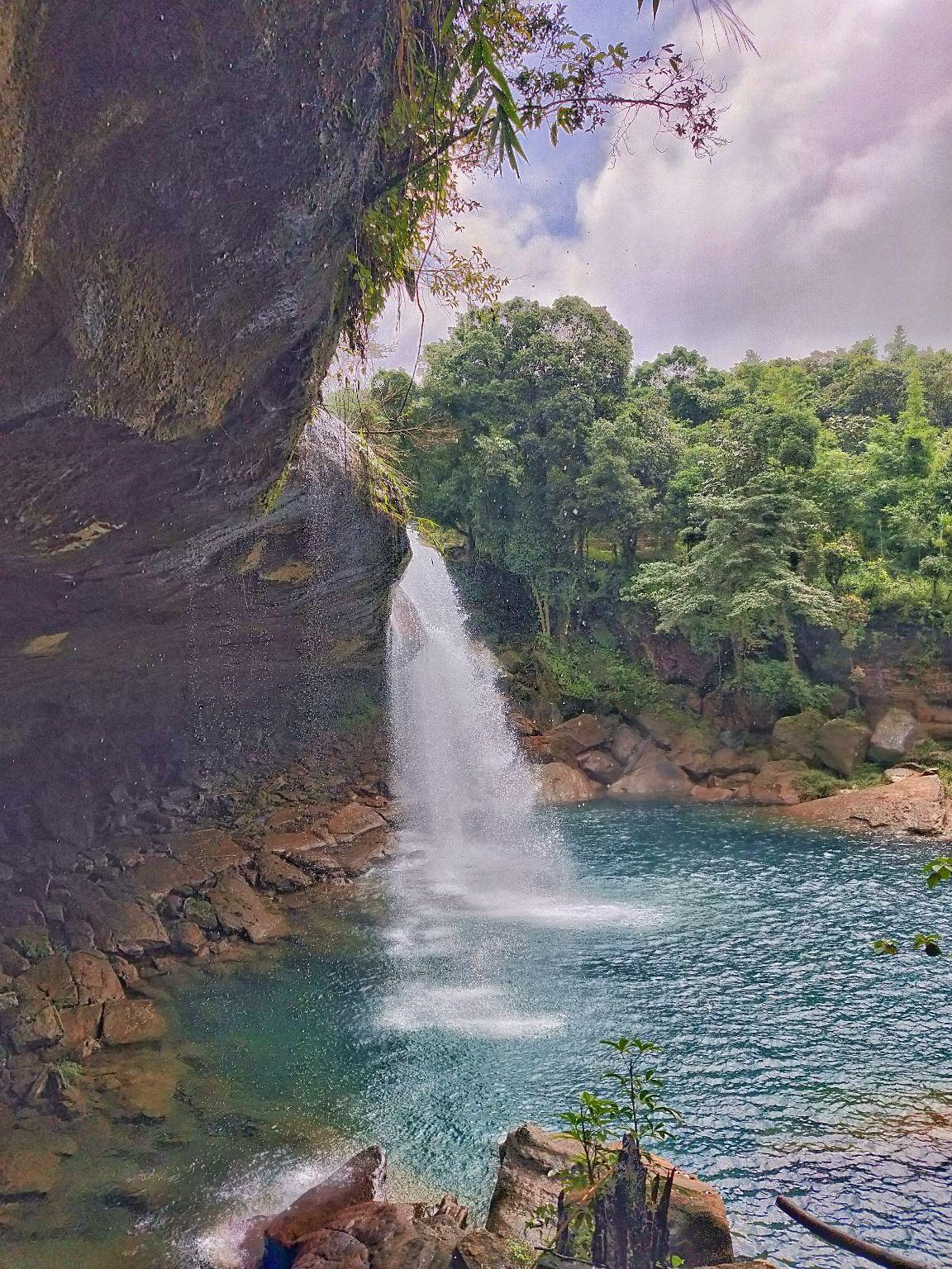 Photo of Krang Shuri Waterfall By B Dyut