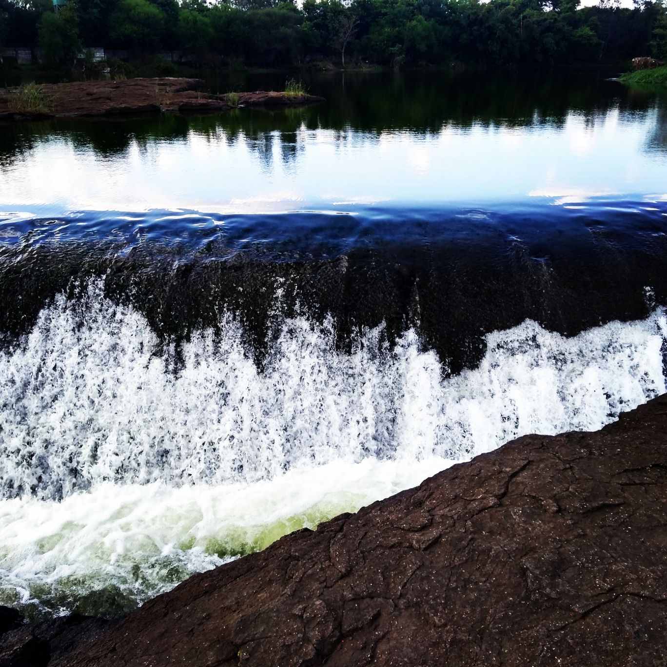 Photo of Begdewadi Waterfall By Womanias