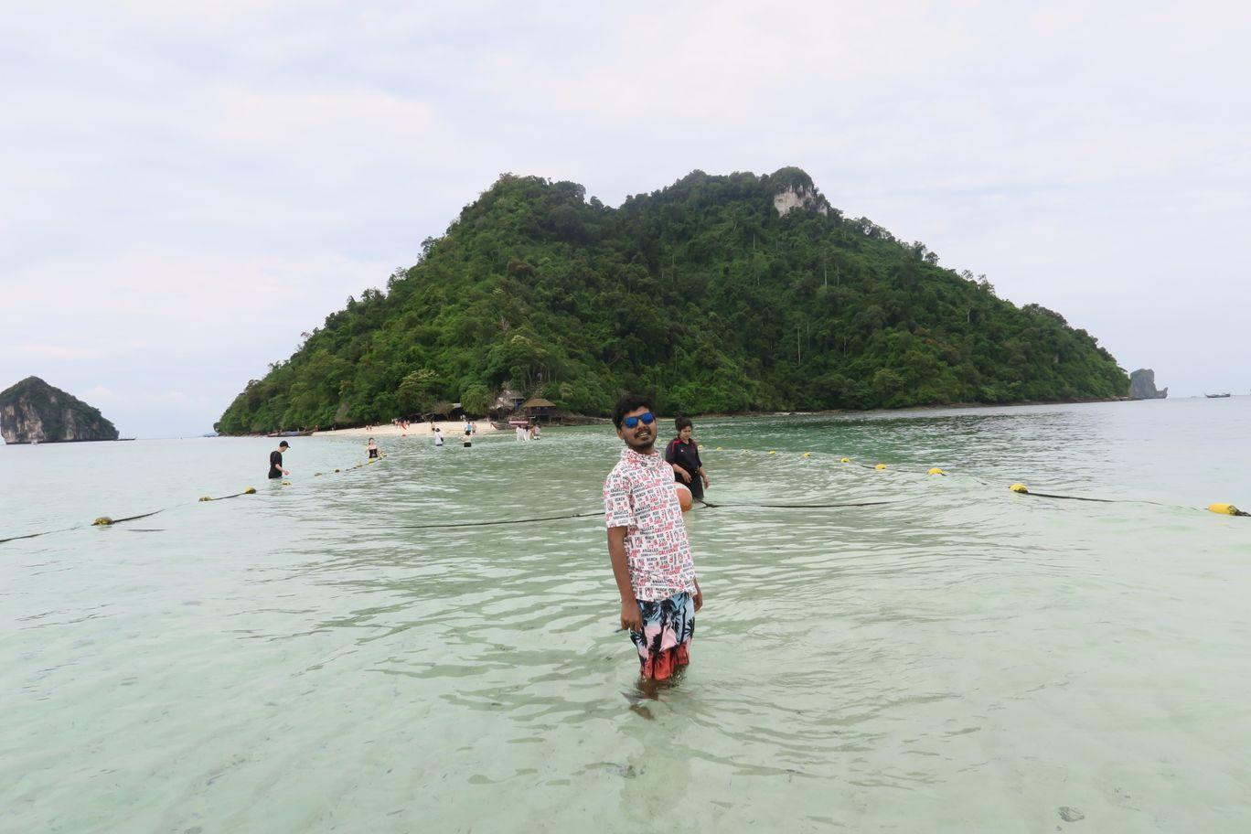 Photo of Phi Phi Islands By Nikhil Ganji