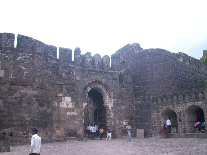 Photo of Daulatabad Fort By Bitesoftravelbug