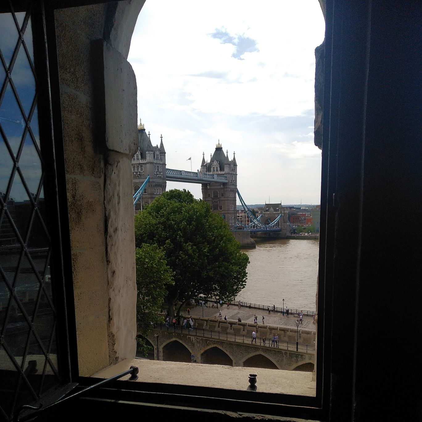 Photo of London Bridge By sunny sachdeva