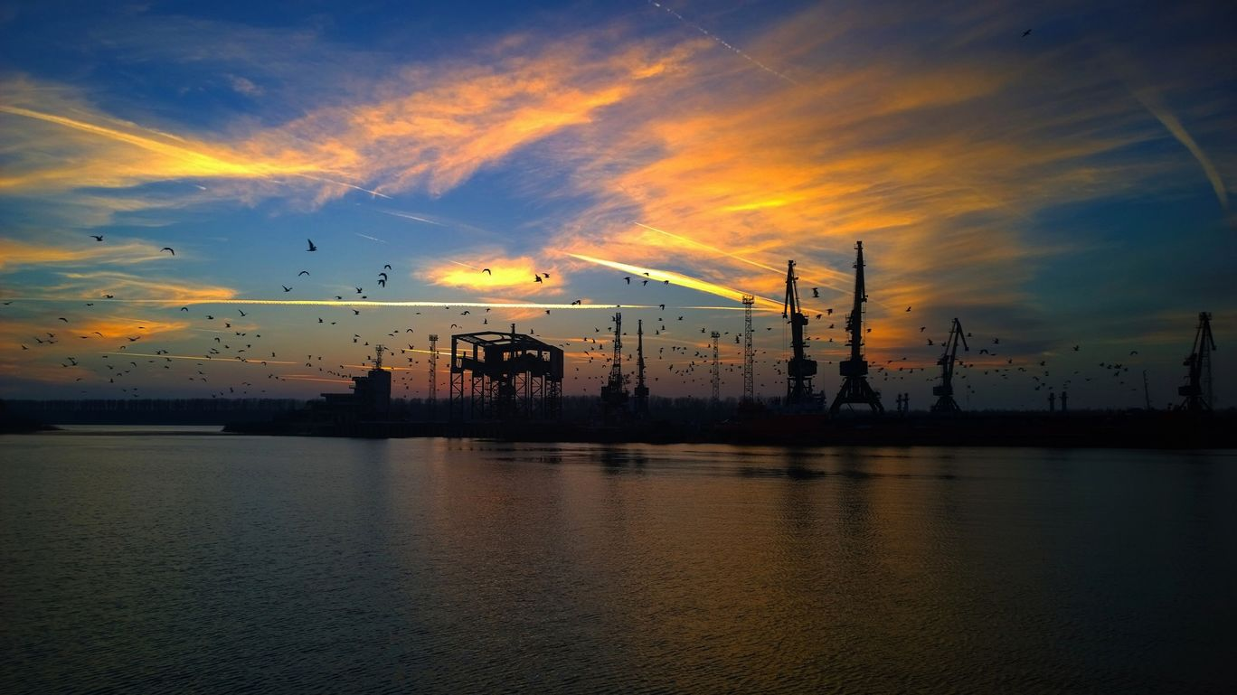 Photo of Port of Hamburg By delhigrapher12