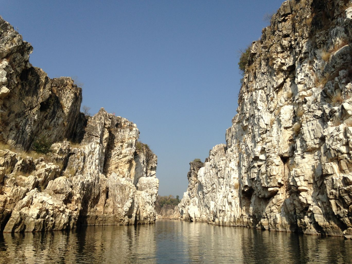 Photo of Marble Rocks By Saraswat Rit