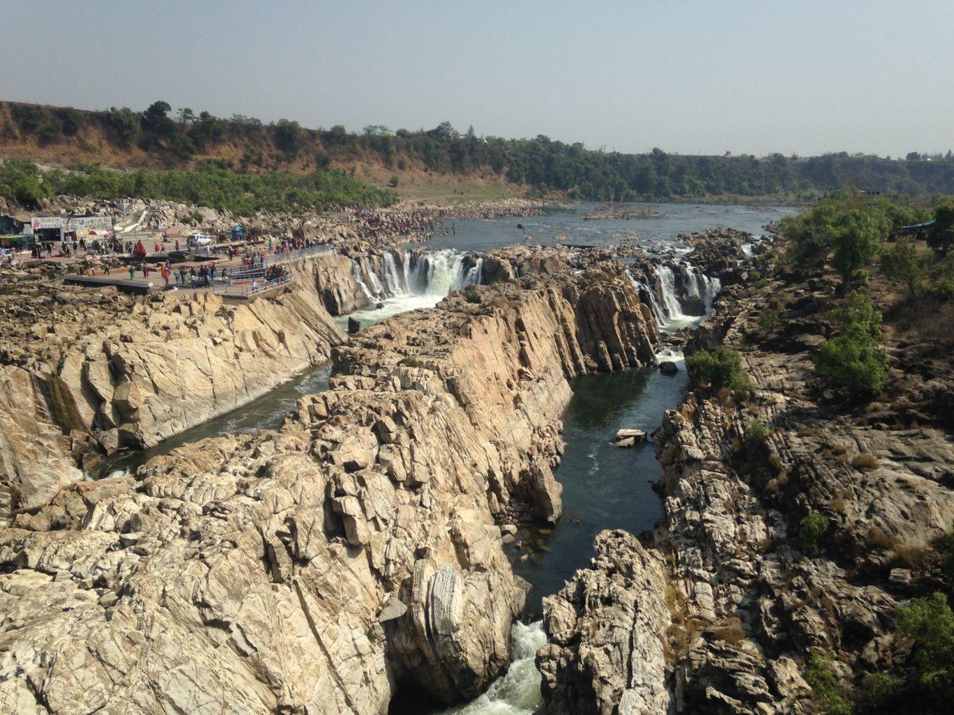 Photo of Dhuandhar Water Fall By Saraswat Rit