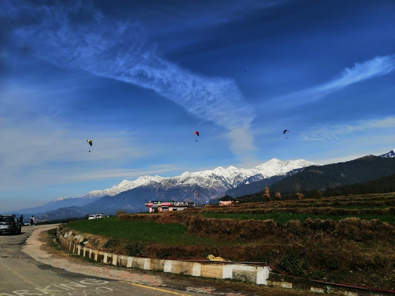 Photo of Bir Billing Paragliding By Akhil