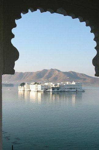 Photo of Lake Palace By Abhishek Purohit