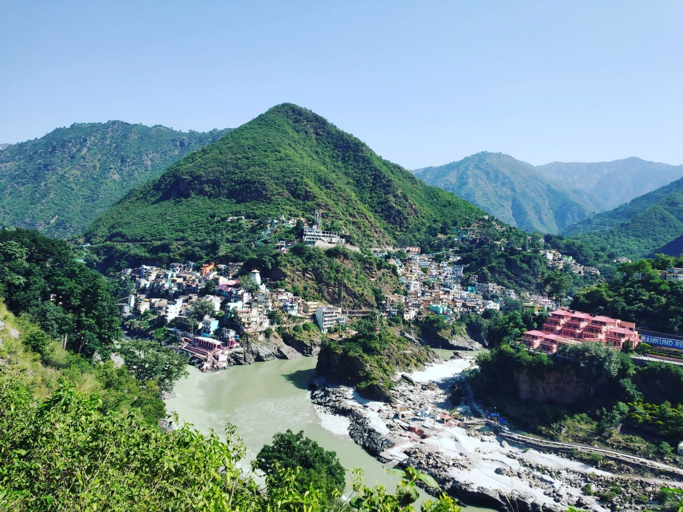 Photo of Devprayag Ghat By Yati_A_Traveller