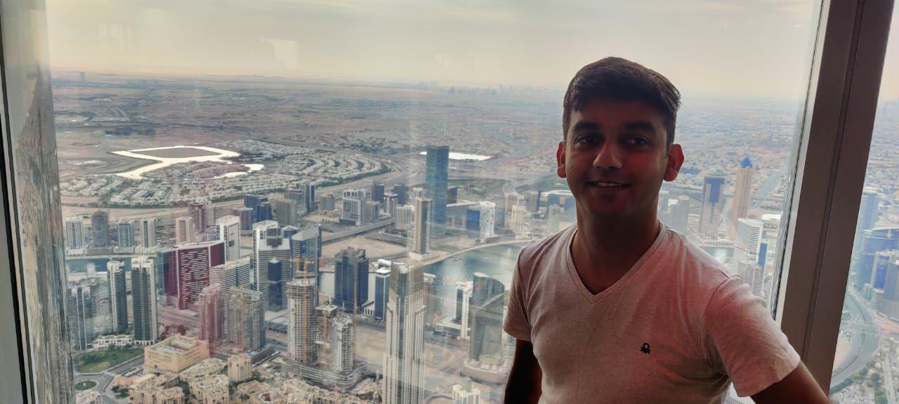 Photo of Burj Khalifa - Sheikh Mohammed bin Rashid Boulevard - Dubai - United Arab Emirates By Sarang Rajpure