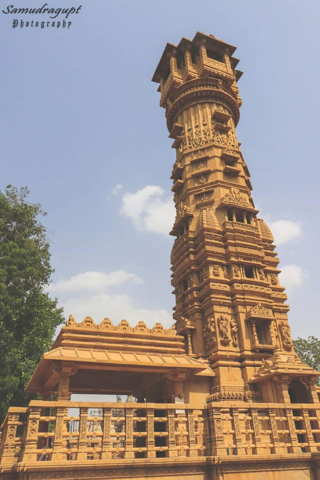 Photo of Hutheesing Jain Temple By Samudragupt Parmar