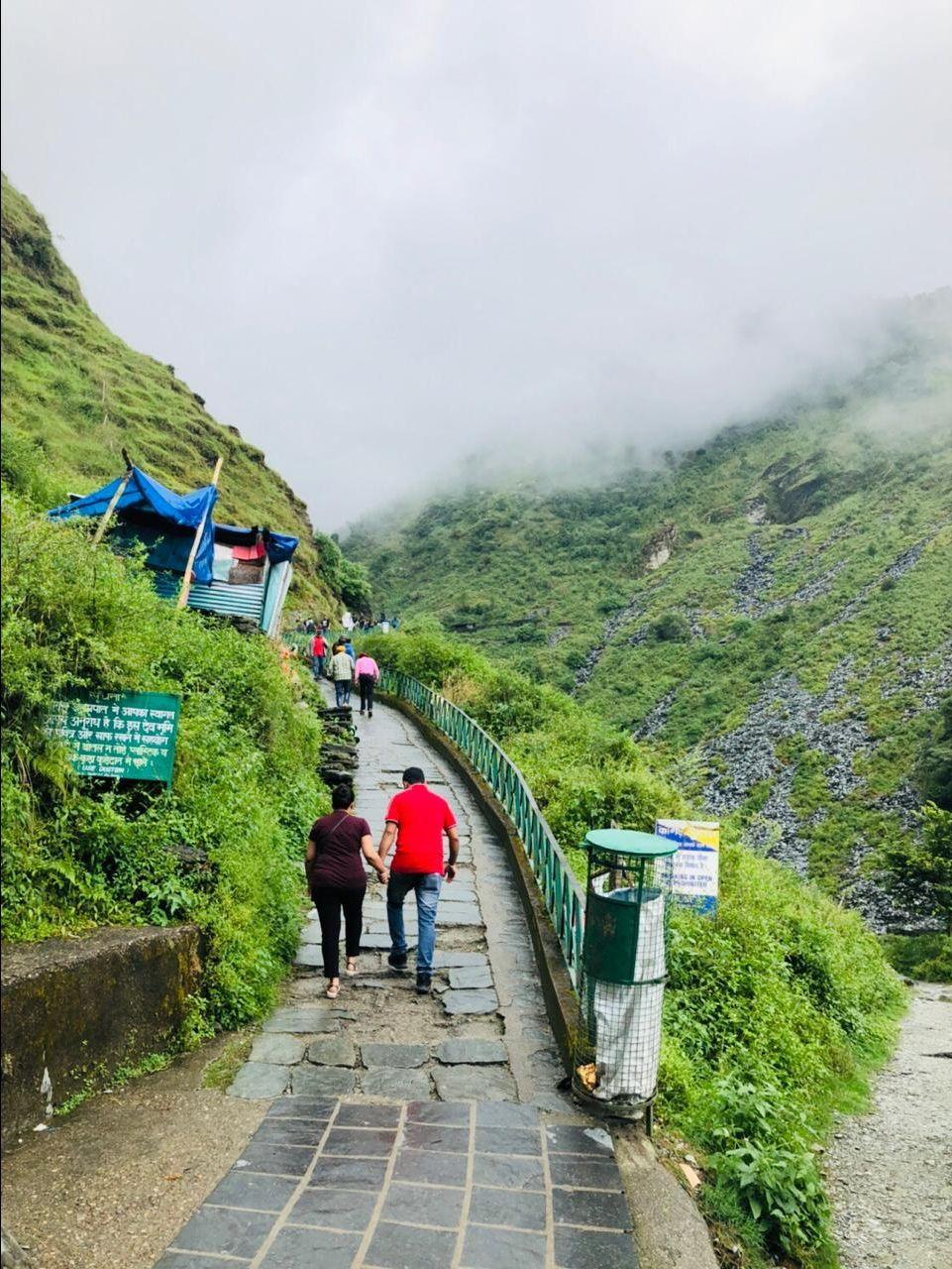 Photo of Bhagsunag Waterfall Dharmshala By tanya gupta