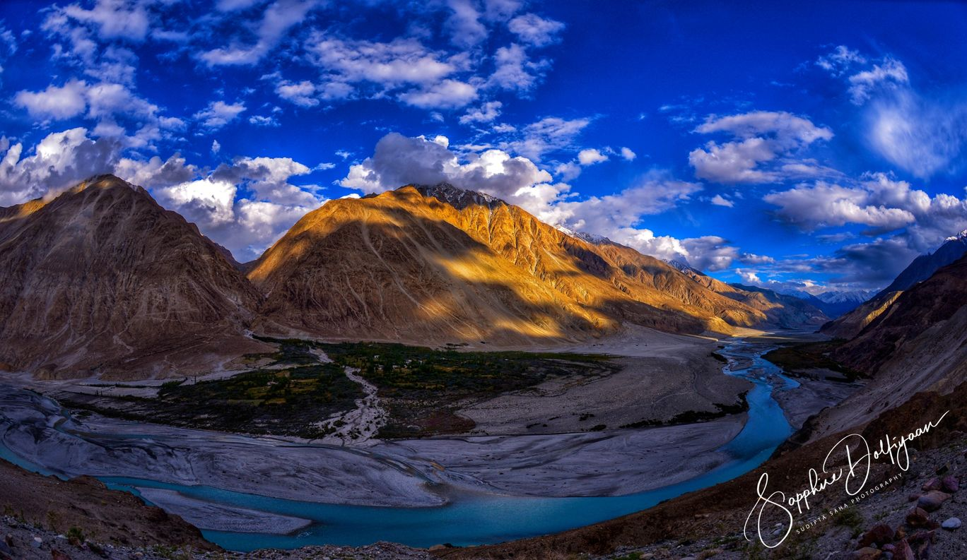 Photo of Shyok River By Sapphire Dolfiyaan