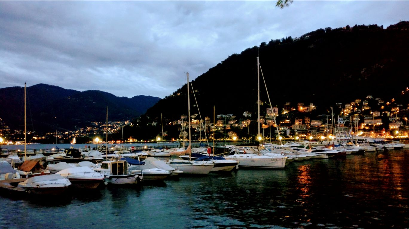 Photo of Lake Como By Tarang Rastogi