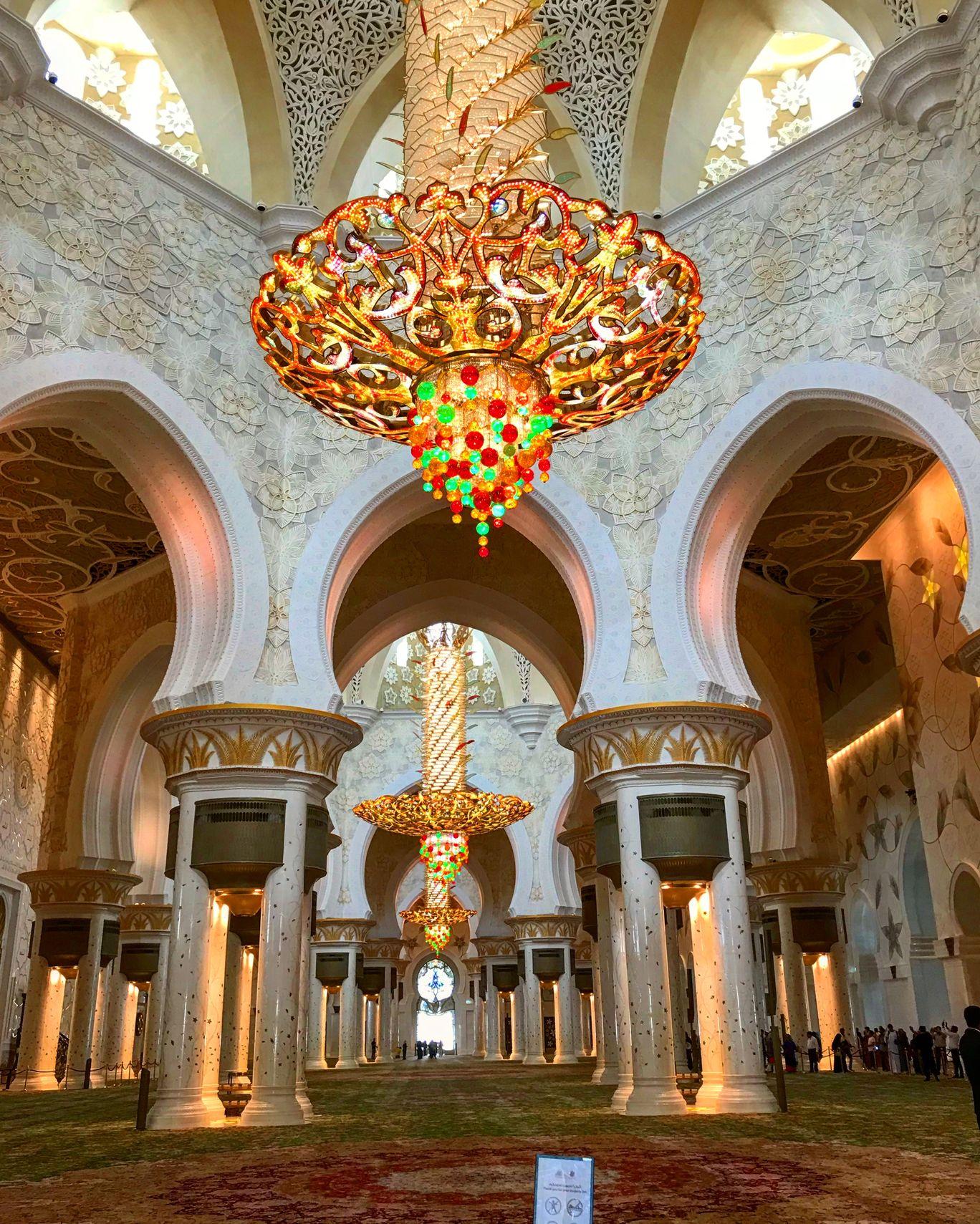 Photo of Sheikh Zayed Grand Mosque Center - Abu Dhabi - United Arab Emirates By Kavitha Ananthan