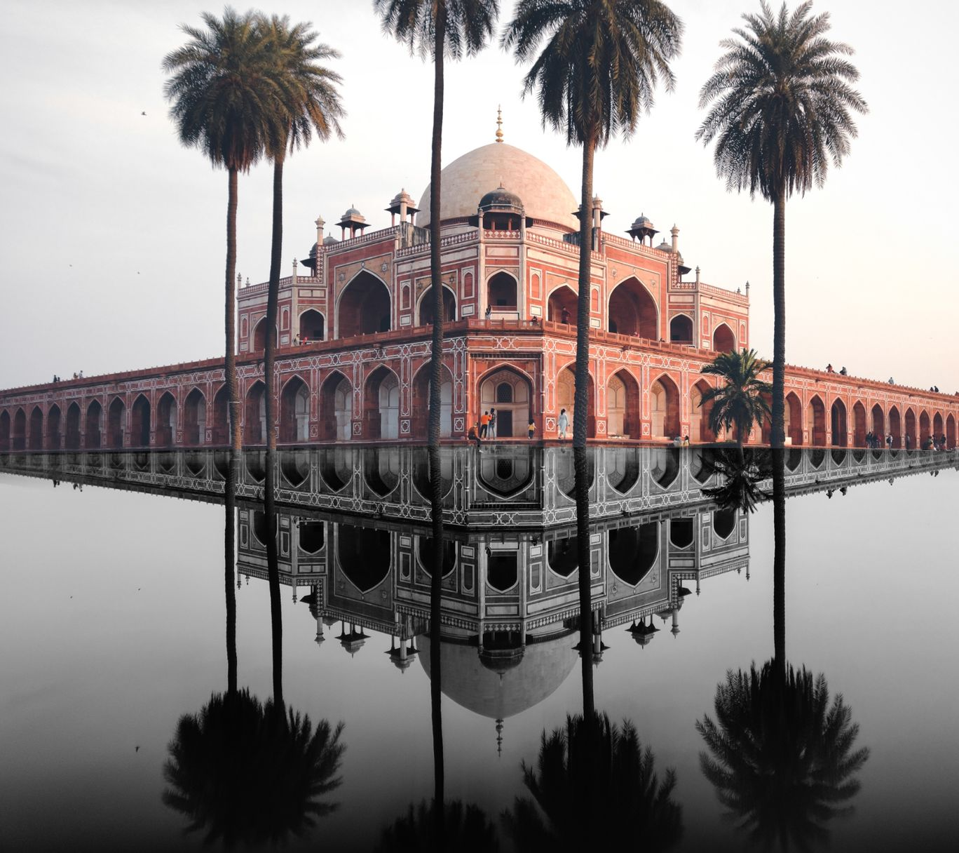 Photo of Humayun's Tomb By Santoshh