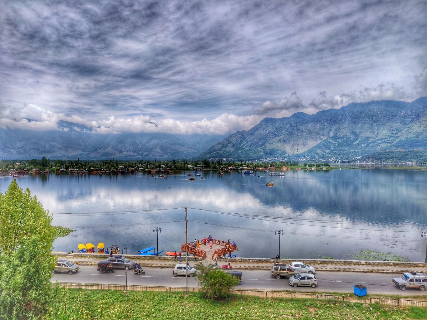 Photo of Dal Lake By anubhavibiker