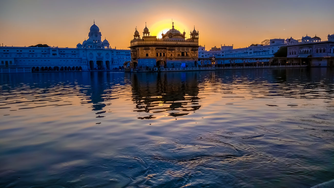 Photo of Golden Temple By Soumen Das Roy