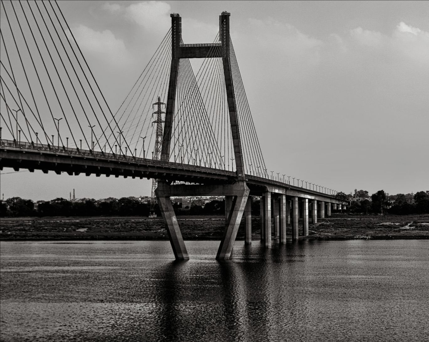 Photo of Naini Bridge By the unknown capturer